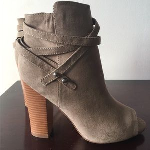 JustFab, Peep Toe Heel - Size 8 (Never Worn)